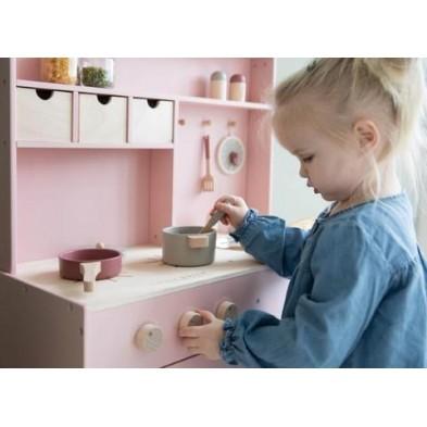 Little Dutch  Ξύλινη κουζίνα παιχνιδιού με αξεσουάρ (ροζ)LD4486